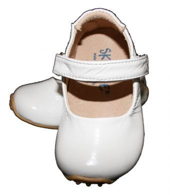 SKEANIE Mary Janes - Junior - Patent Leather - White (old sizing) (last pair 22